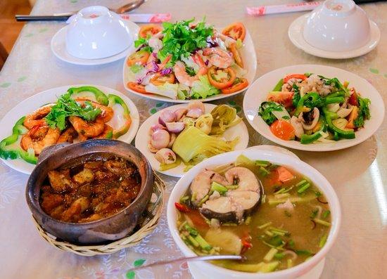 Cơm niêu Hương Việt Đà Lạt