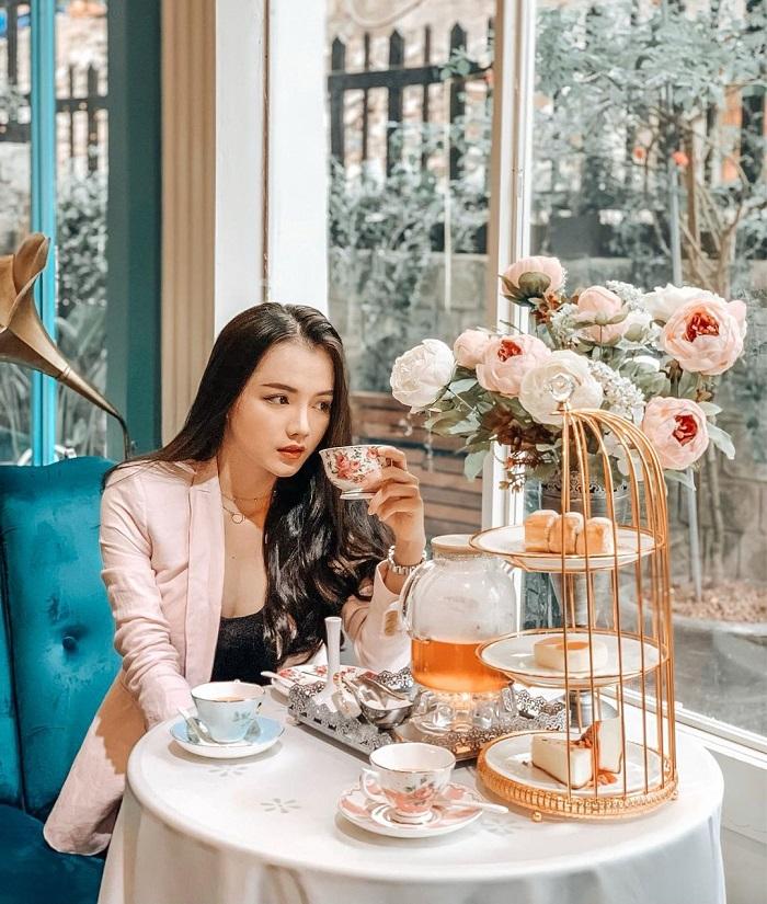 Quán Bach Du Tea & Coffee house