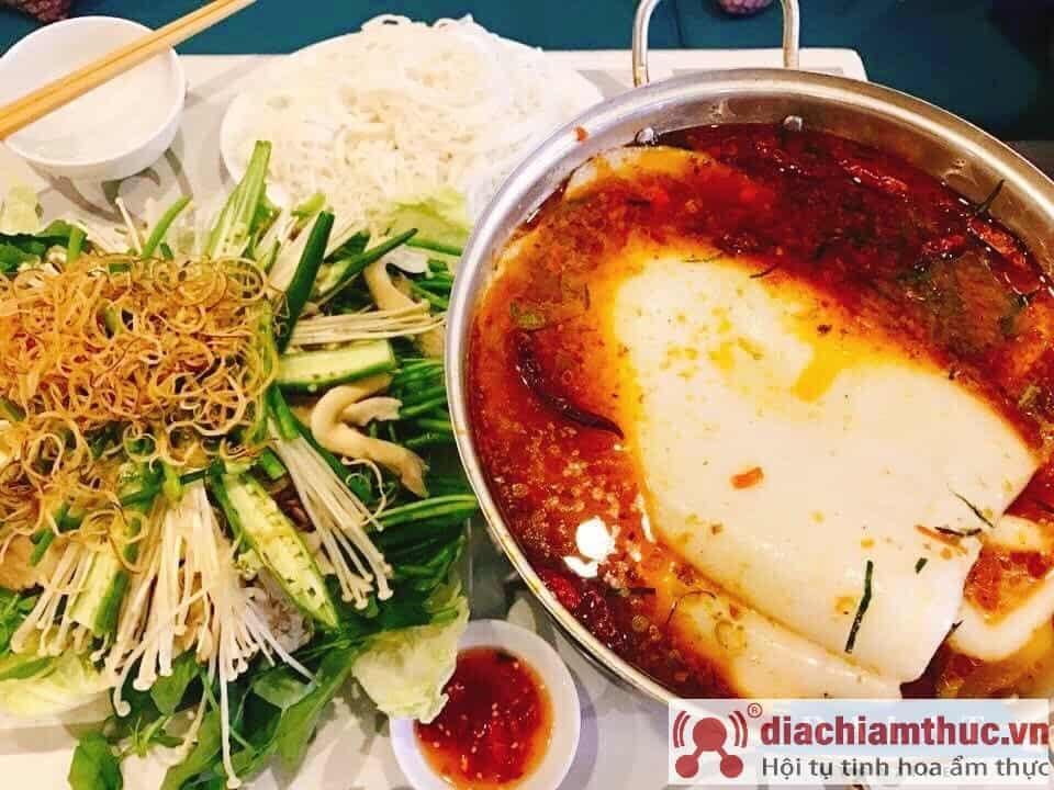 Quán ăn mực khổng lồ Thái Khap Bun Kha