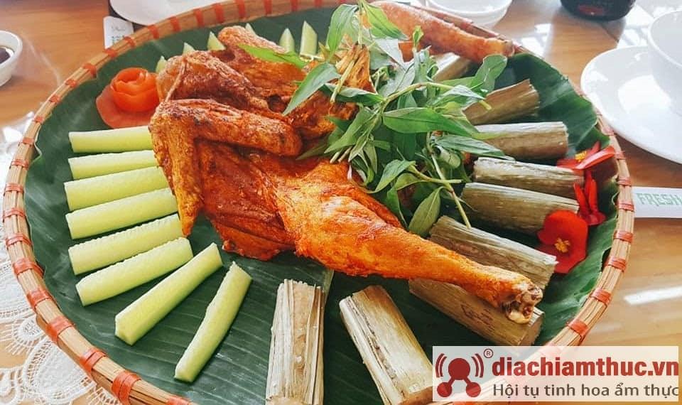Cơm lam gà nướng Lâm Đồng Đà Lạt