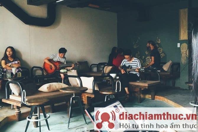 Crow Acoustic Coffee Nha Trang
