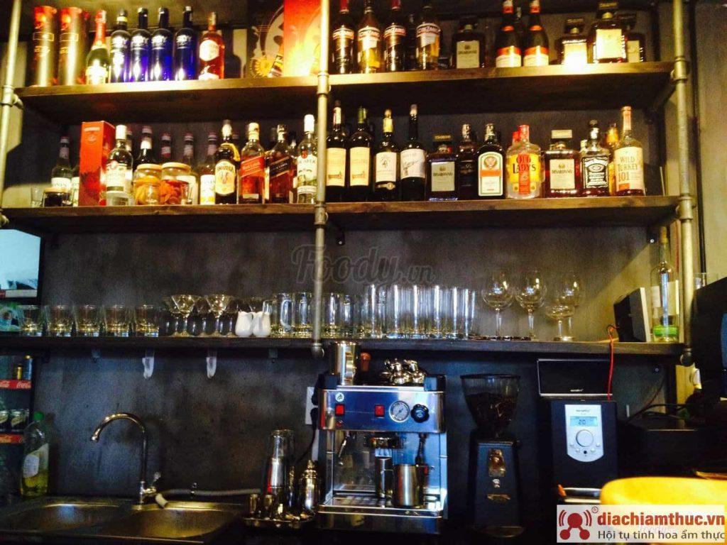 Woody Classic Bar Đà Lạt