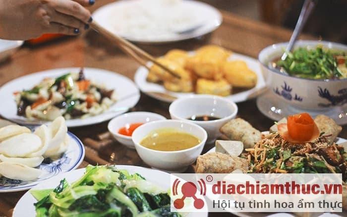 Món ăn ở Nhà hàng chay Đại Lộc