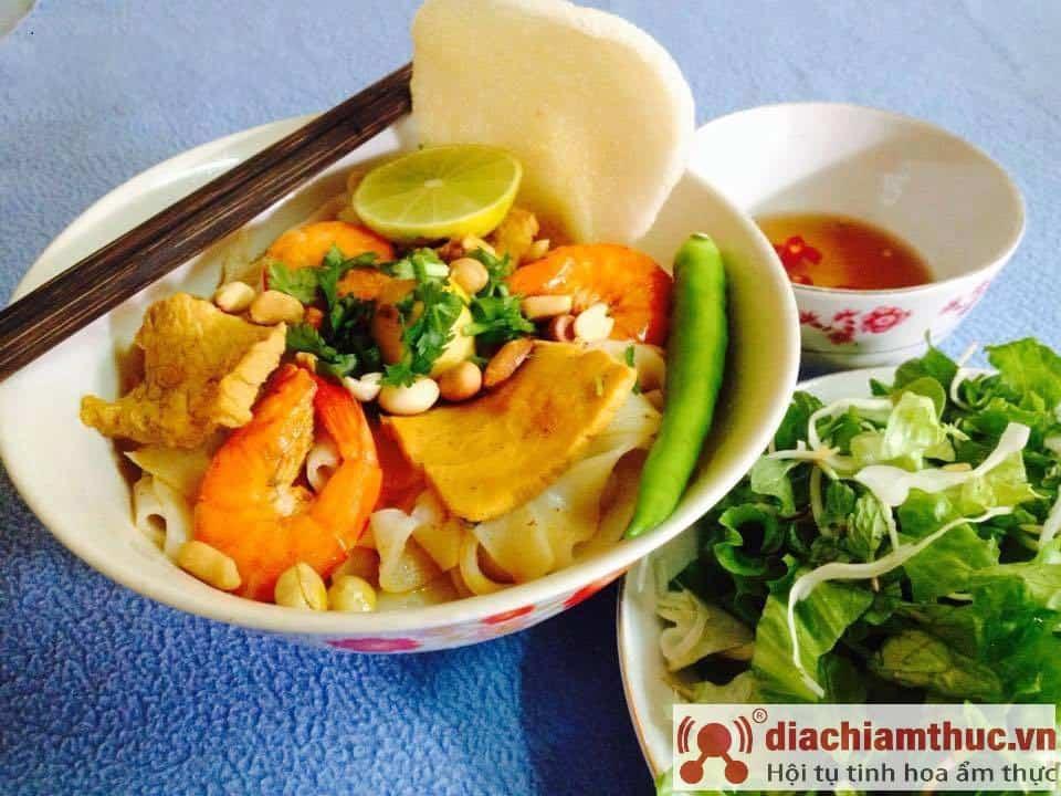 Quán mì quảng Nguyễn Thị Minh Khai