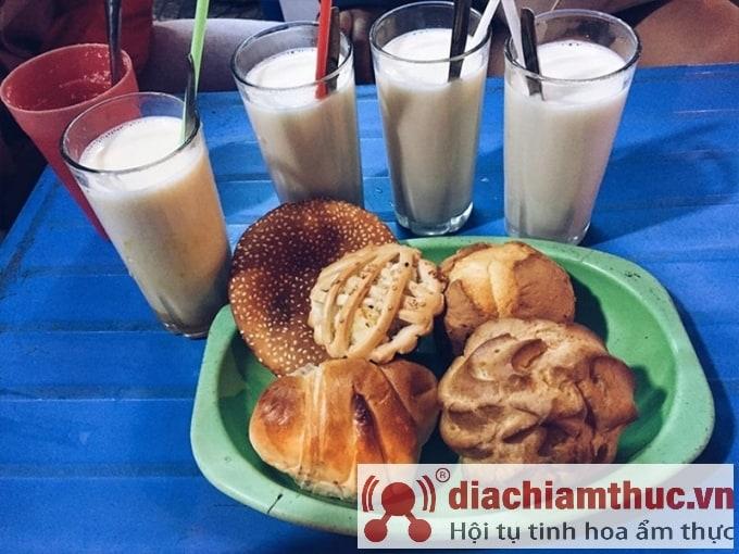 Sữa đậu nành ở chợ đêm Đà Lạt