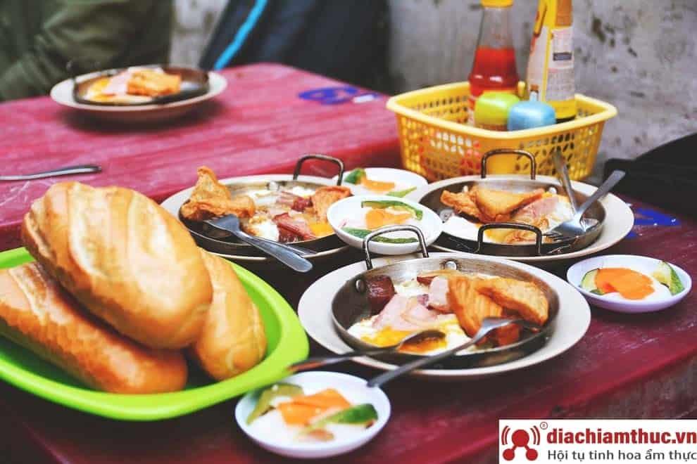 Bánh Mì chảo Hòa Mã Sài Gòn