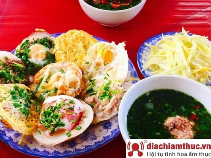 Bánh căn mực Nha Trang