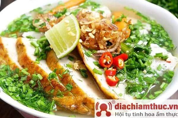 Bánh canh chả cá thu Phú Quốc