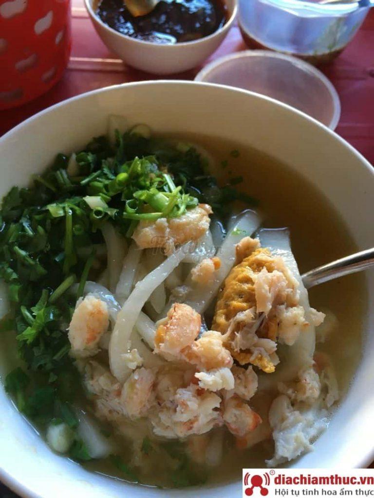 Bánh canh cua Phạm Hồng Thái Huế