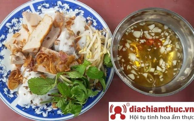 Bánh cuốn nóng chị Hà Huế