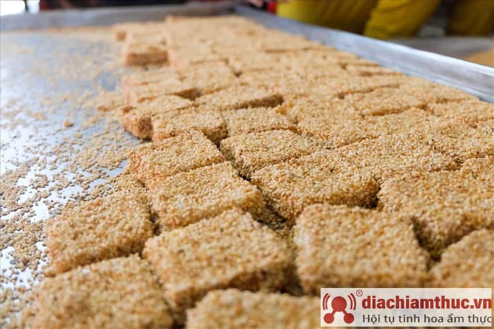 Bánh khô mè Cẩm Lệ Đà Nẵng