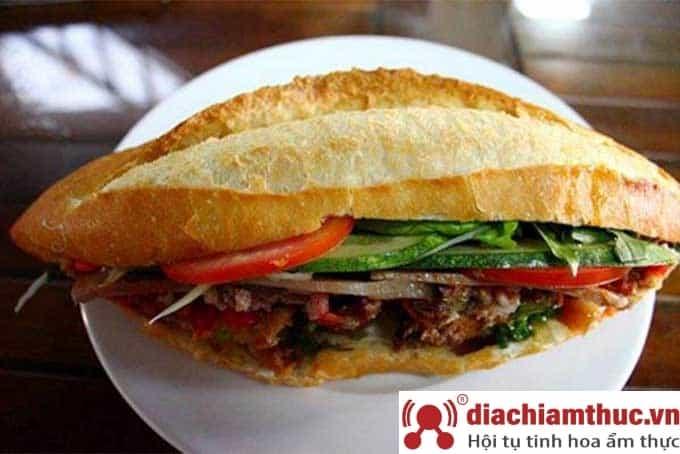 Bánh mì thịt nướng Cô Linh TP Đà Nẵng