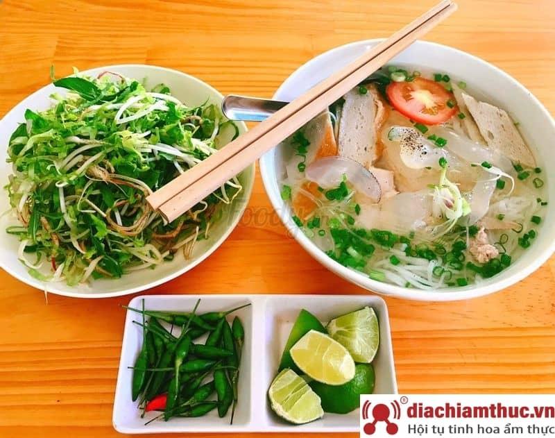 Bún cá cô Ba Nha Trang