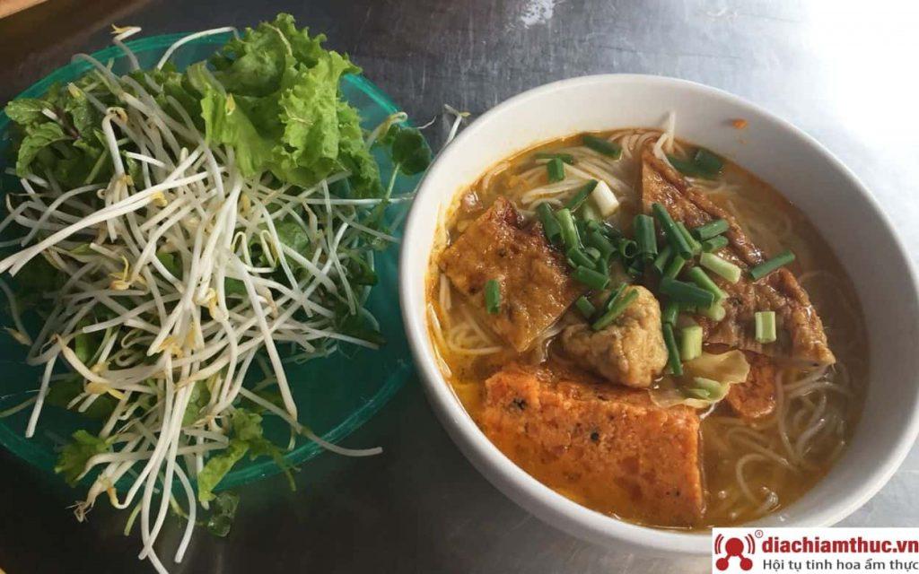 Bún chả cá Bà Phiến Đà Nẵng