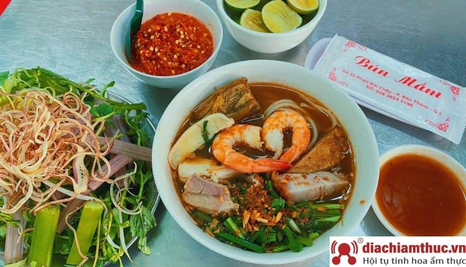 Bún mắm – cửa Đông chợ Bến Thành Sài GònBún mắm – cửa Đông chợ Bến Thành Sài Gòn