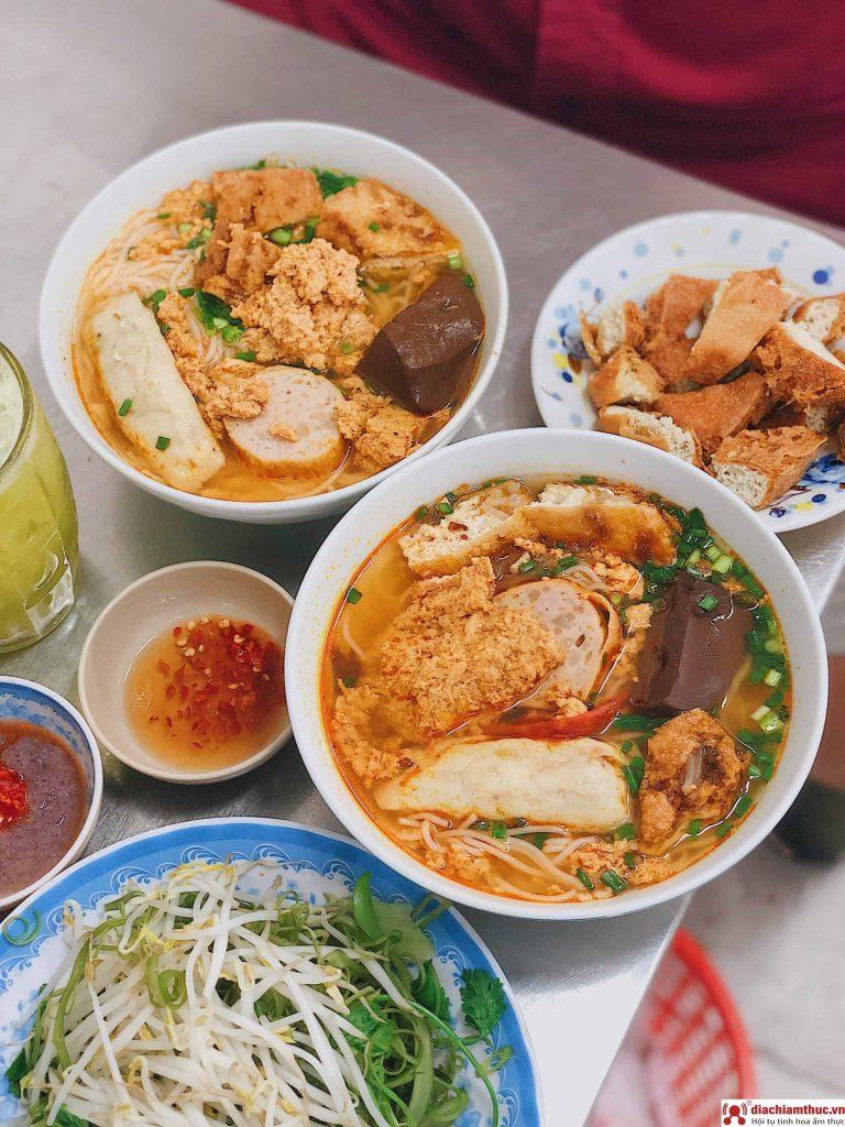 Bún riêu Yến Sài Gòn