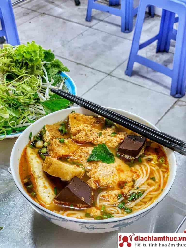 Bún riêu Yến Tân Bình Sài Gòn