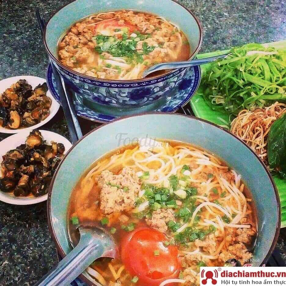 Bún riêu cua ốc Nguyễn Thái Bình Sài Gòn