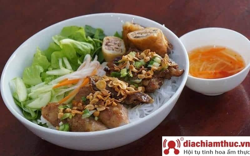 Bún thịt nướng Anh Ba Phú Nhuận Sài Gòn