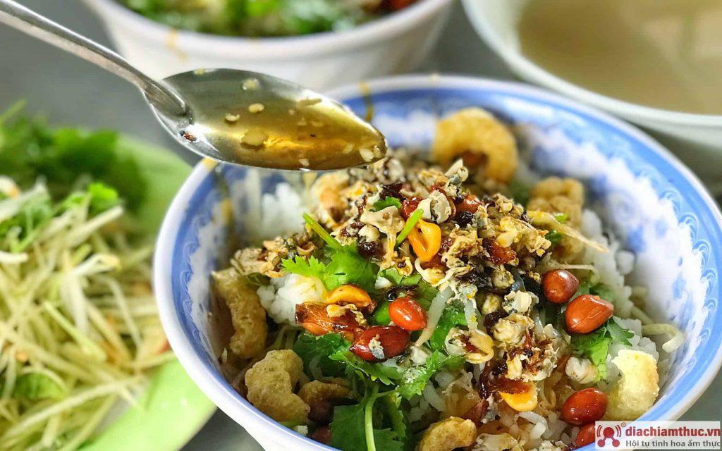 Cơm Hến Hoa Đông Huế