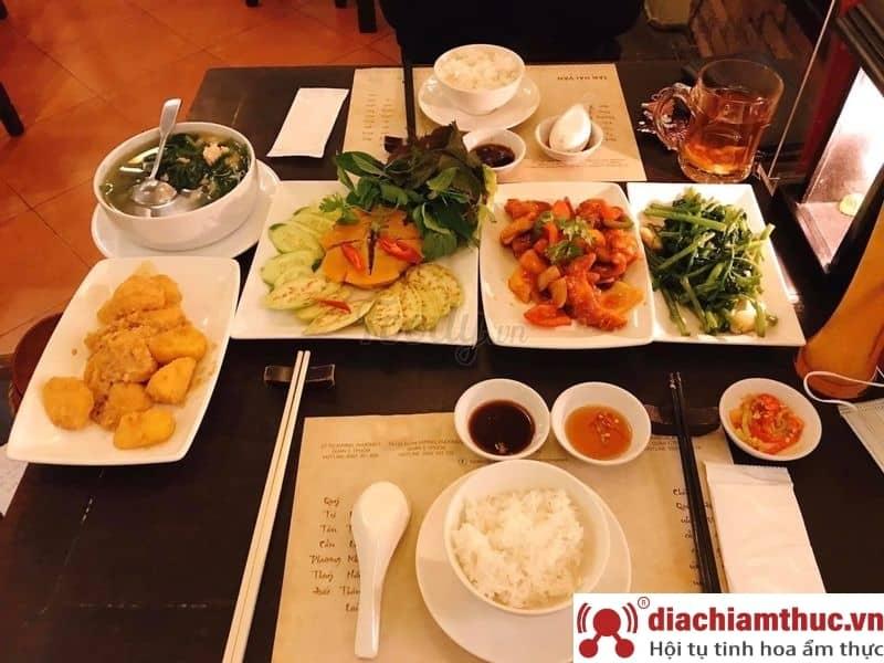 Cơm niêu Sài Gòn 59 Hồ Xuân Hương