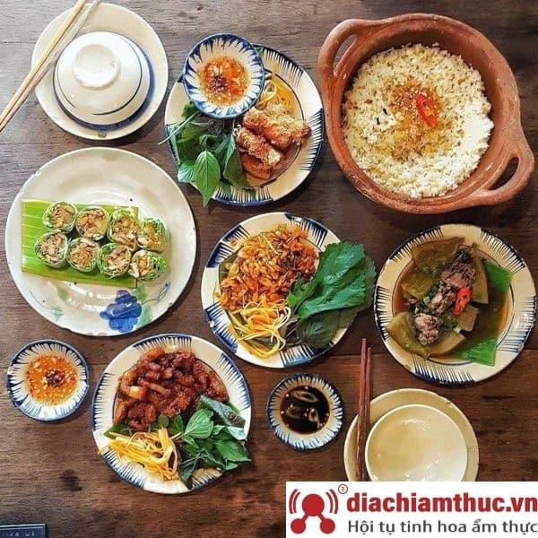 Cơm niêu Thiên Lý Sài Gòn