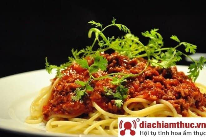 Hẻm Spaghetti - Nguyễn Oanh TP. HCM
