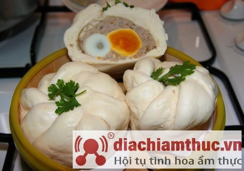 Hủ tiếu bánh bao Cả Cần Sài Gòn