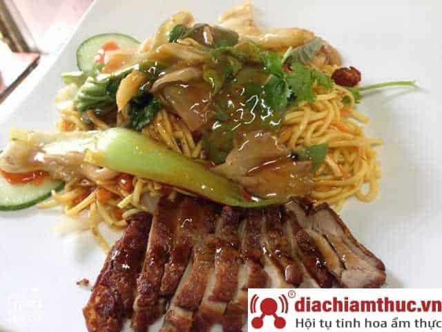 Quang Aachener Imbiss TP Huế
