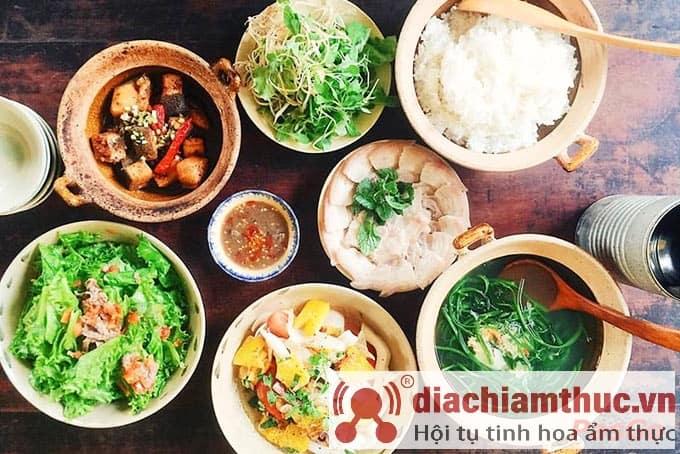 Tiệm cơm café Hoa Giấy Sài Gòn