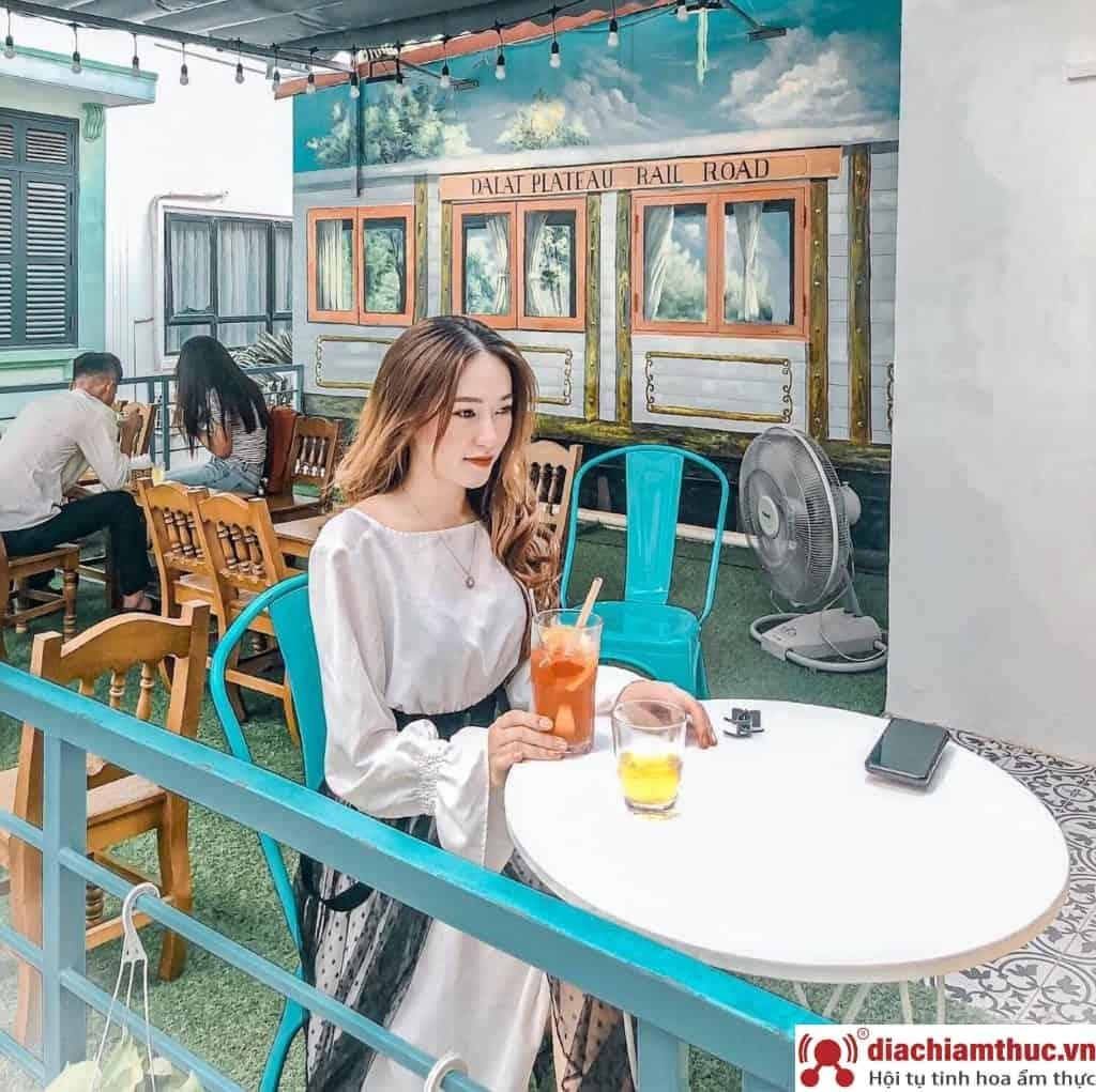 Timeline Coffee quận Cầu Giấy Hà Nội
