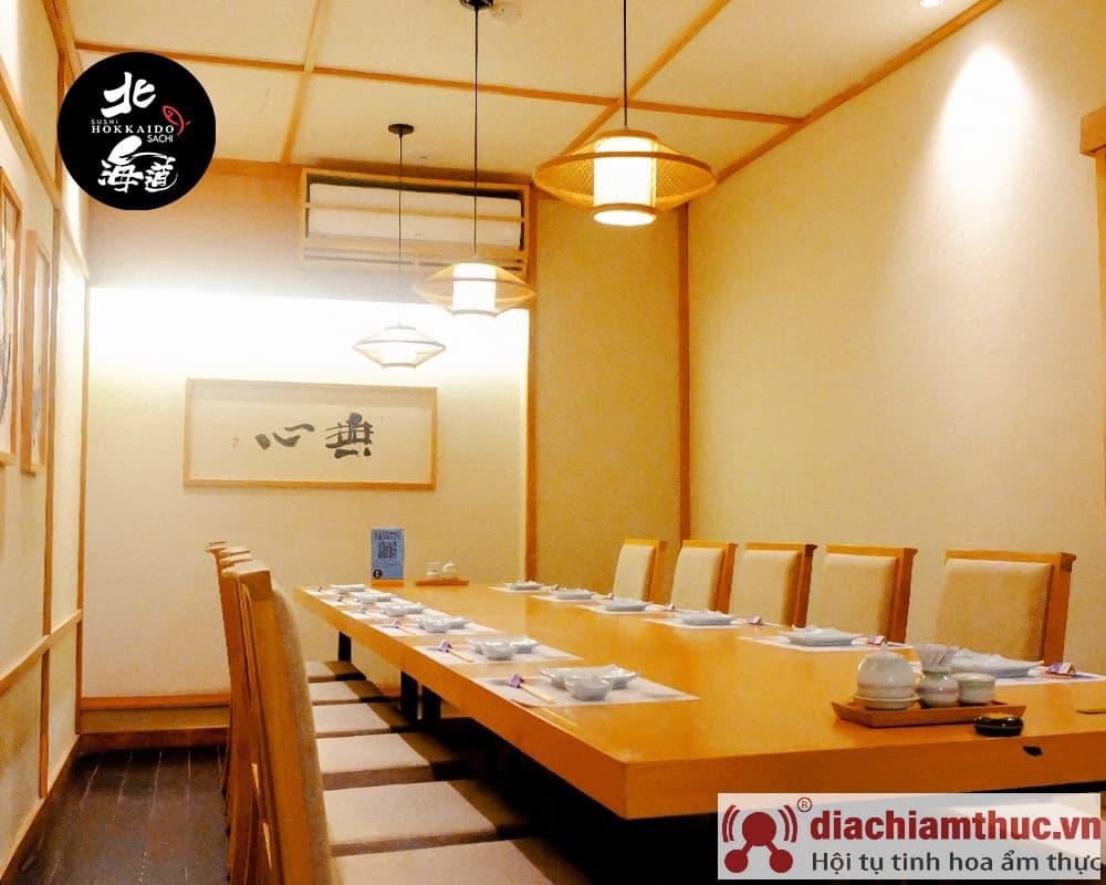 Không gian phòng ăn ở hokkaido shushi