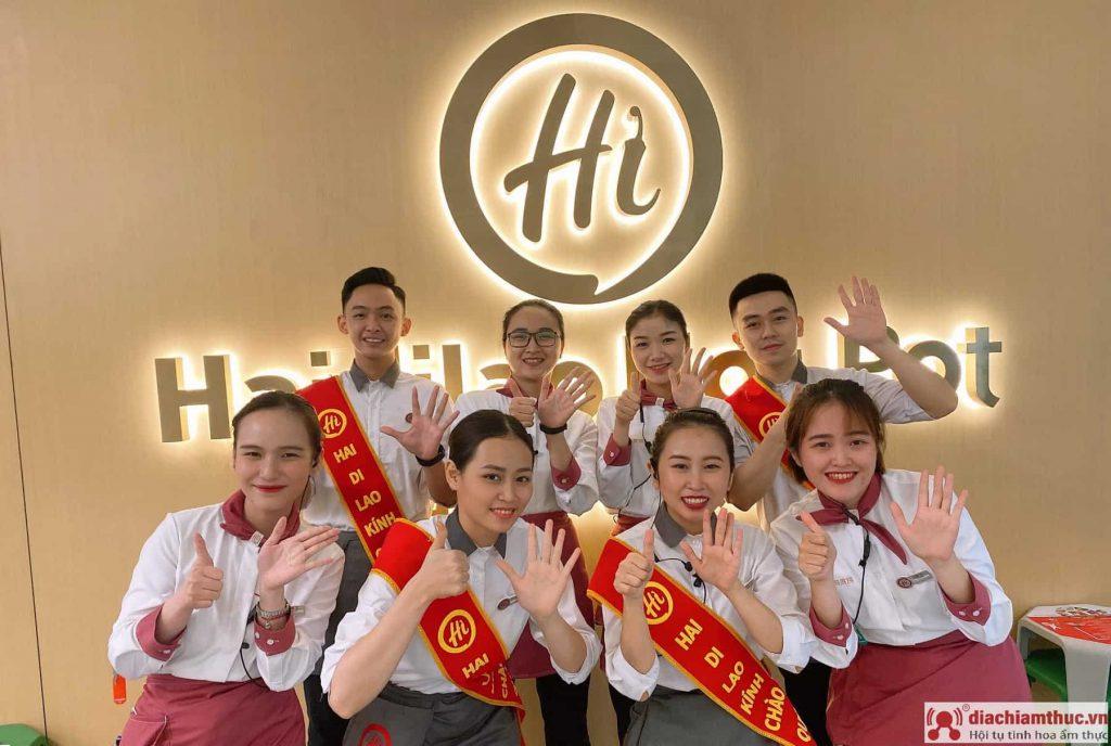 Nhân viên ở Haidilao