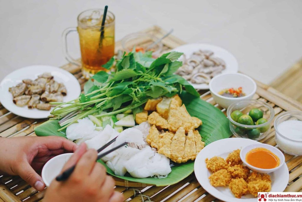 Bún đậu Hồ Cá Dương Quảng Hàm