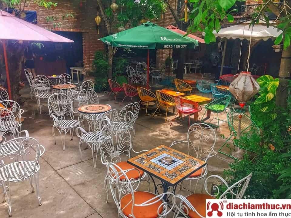 Cafe sân vườn Mai