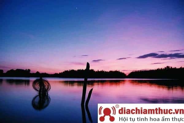 Hồ Nam Phương - Chốn dừng chân bình yên