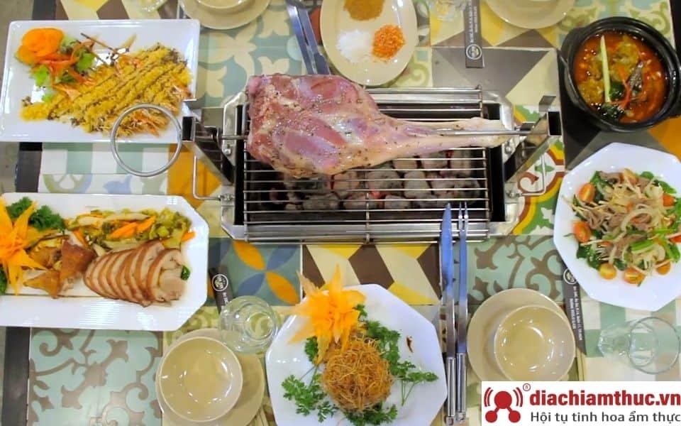 Lokcok Sai Gon - thịt cừu nướng