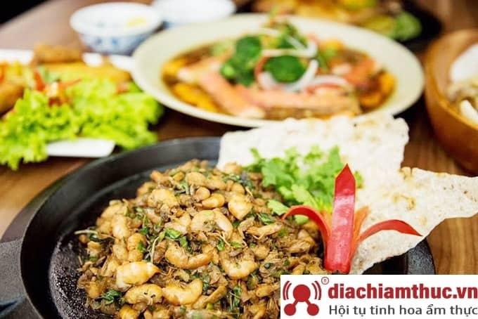Nhà hàng An Nam Quán tại Tú Xương