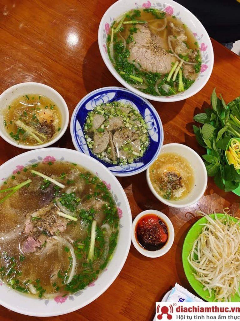 Quán Phở Phú Vương