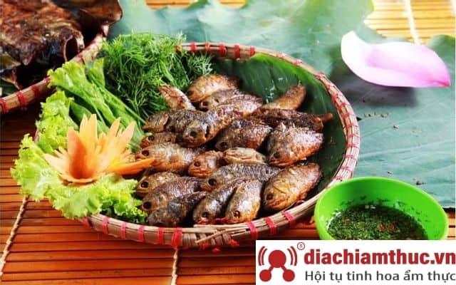 Quán Tam Gia Trang