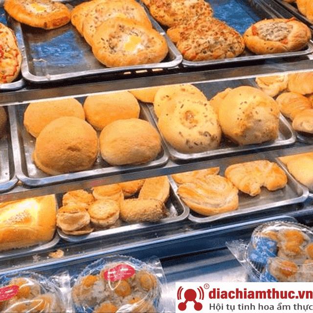Tiệm bánh mì Những chàng trai – Lê Văn Khương