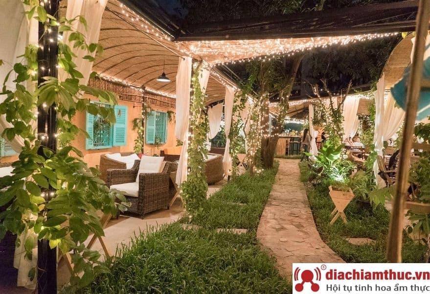 BENARES Gardenia Cafe