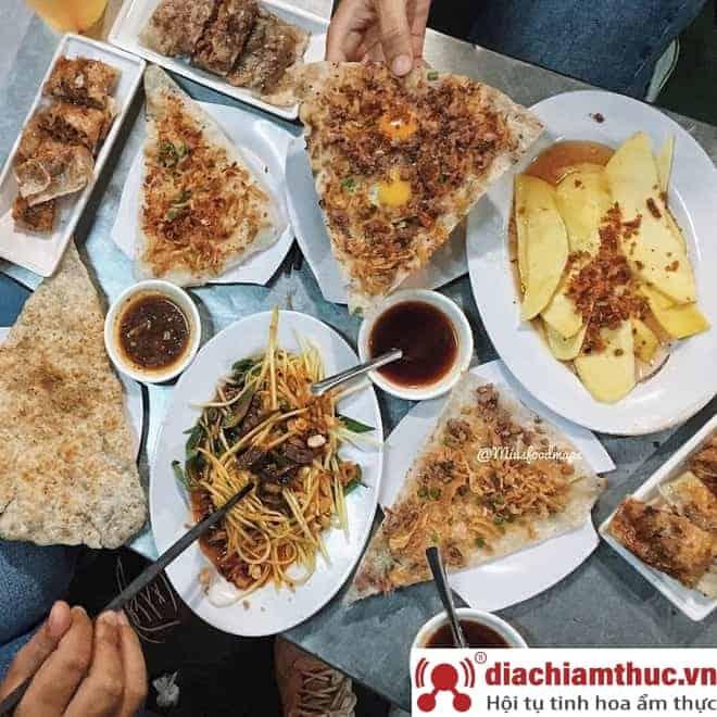 Bánh tráng kẹp Dì Hoa tại TTT