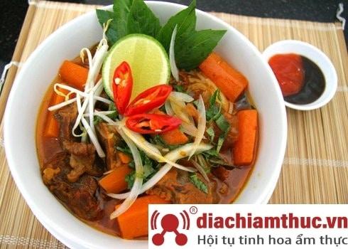 Bò kho cô Út - Trần Bình Trọng
