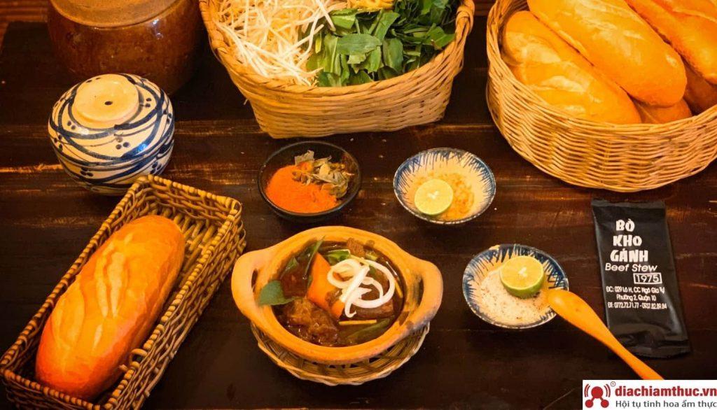 Bò kho gánh ở đường Sư Vạn Hạnh