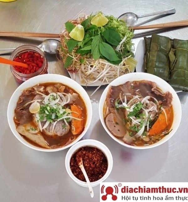 Bún bò Kim Hương đường Phan Văn Trị