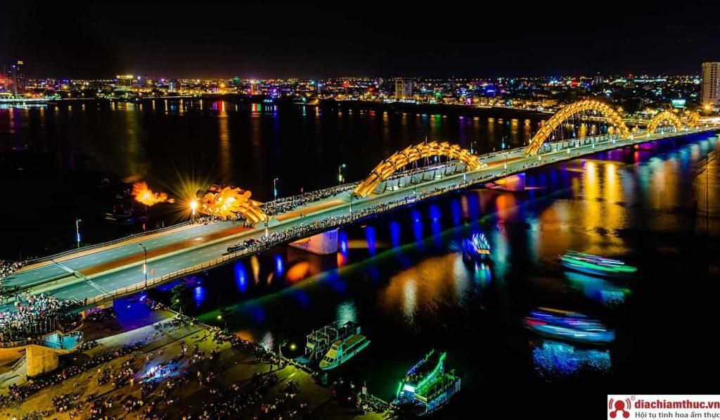 Cây cầu nổi tiếng Đà Nẵng