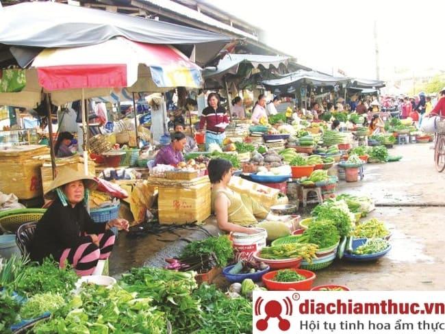 Chợ Phú Định