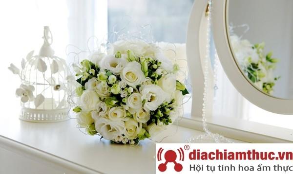 Chuẩn bị hoa chụp ảnh cưới Nha Trang