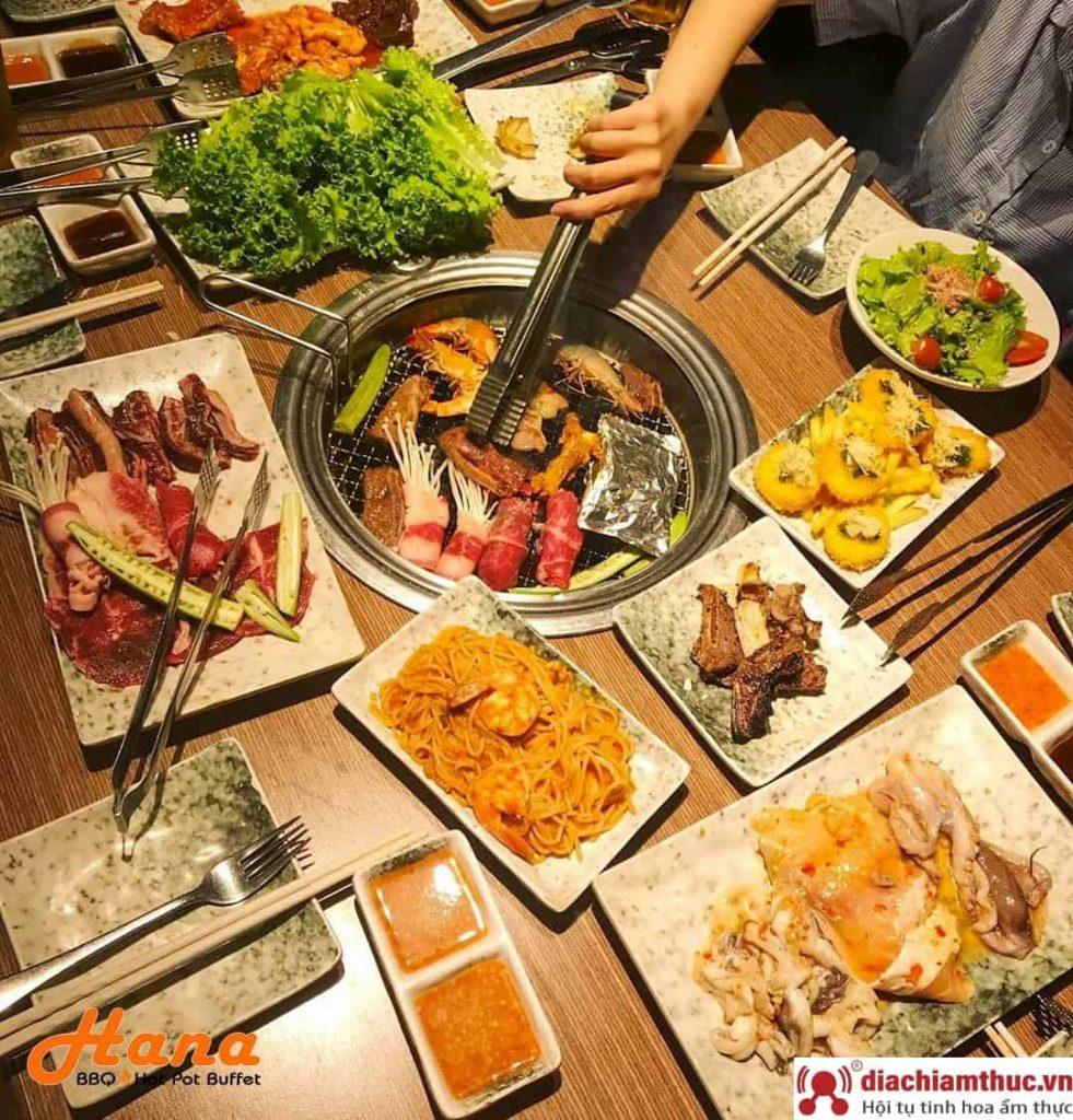 Đồ ăn tại Hana Buffet